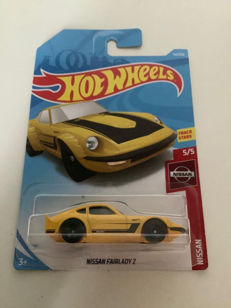 Hot wheels 2017 Nissan fairlady Z collectible diecast car