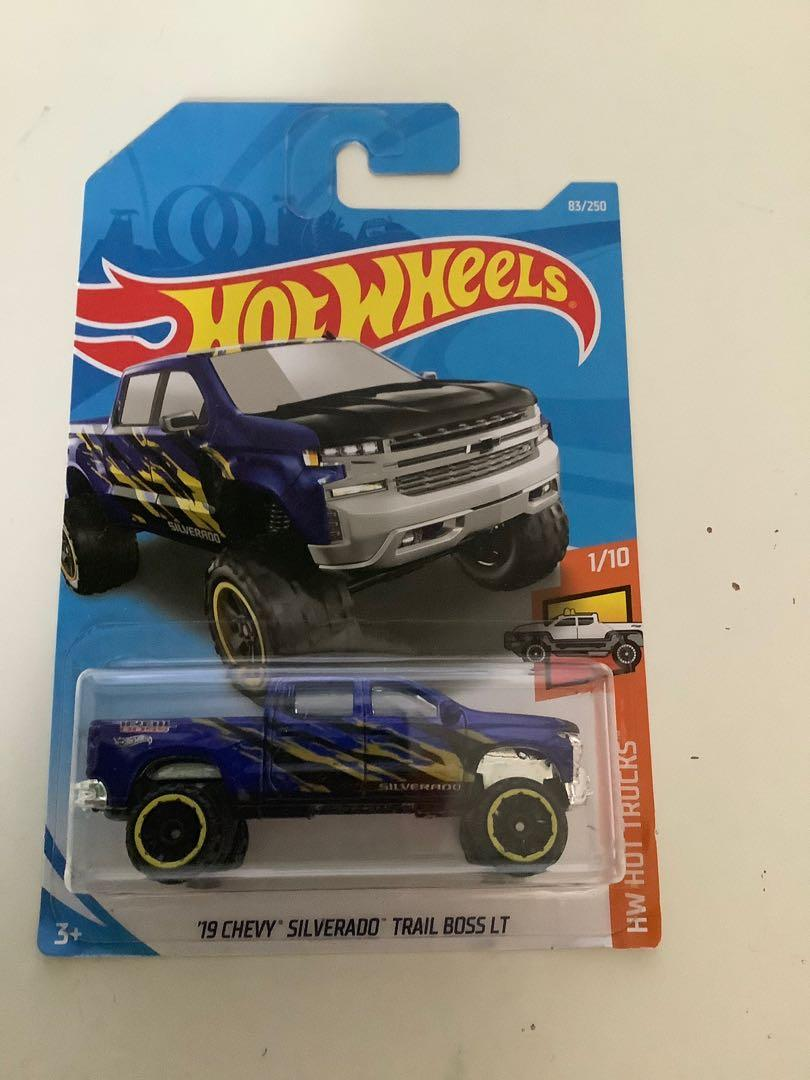 Hot wheels 2019 Chevrolet Chevy Silverado trail boss LTD diecast truck