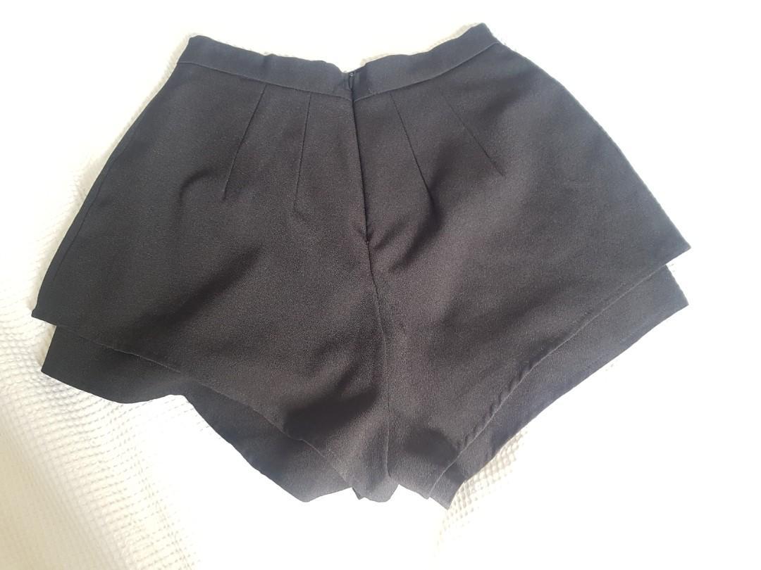 Luvalot shorts black (illusion of a skort) size 10