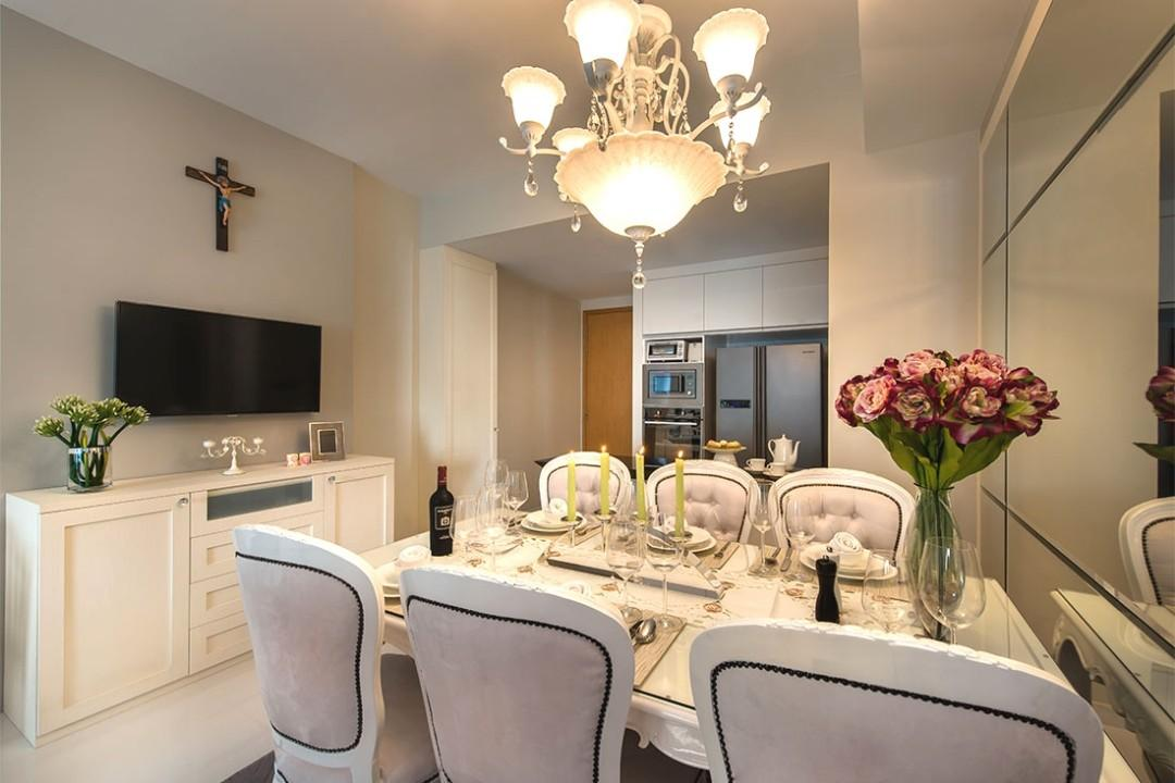 Provincial Pleaser Dining Room Package