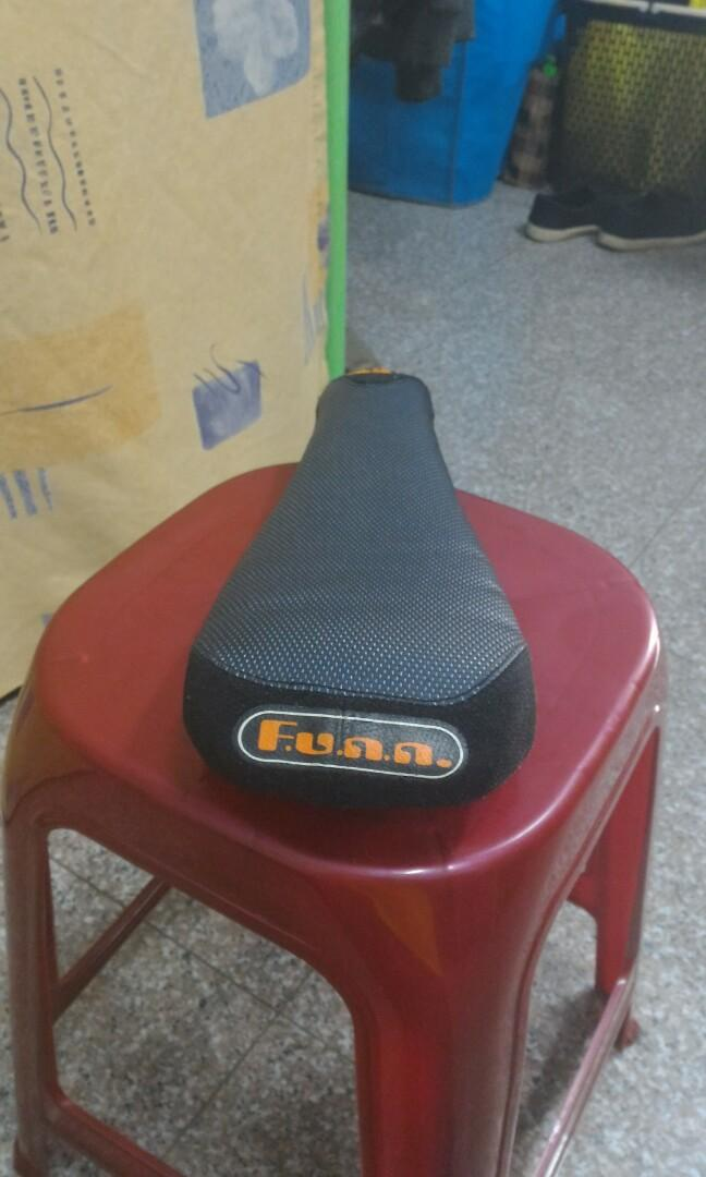 Salsa hubs/saddle for fatbike