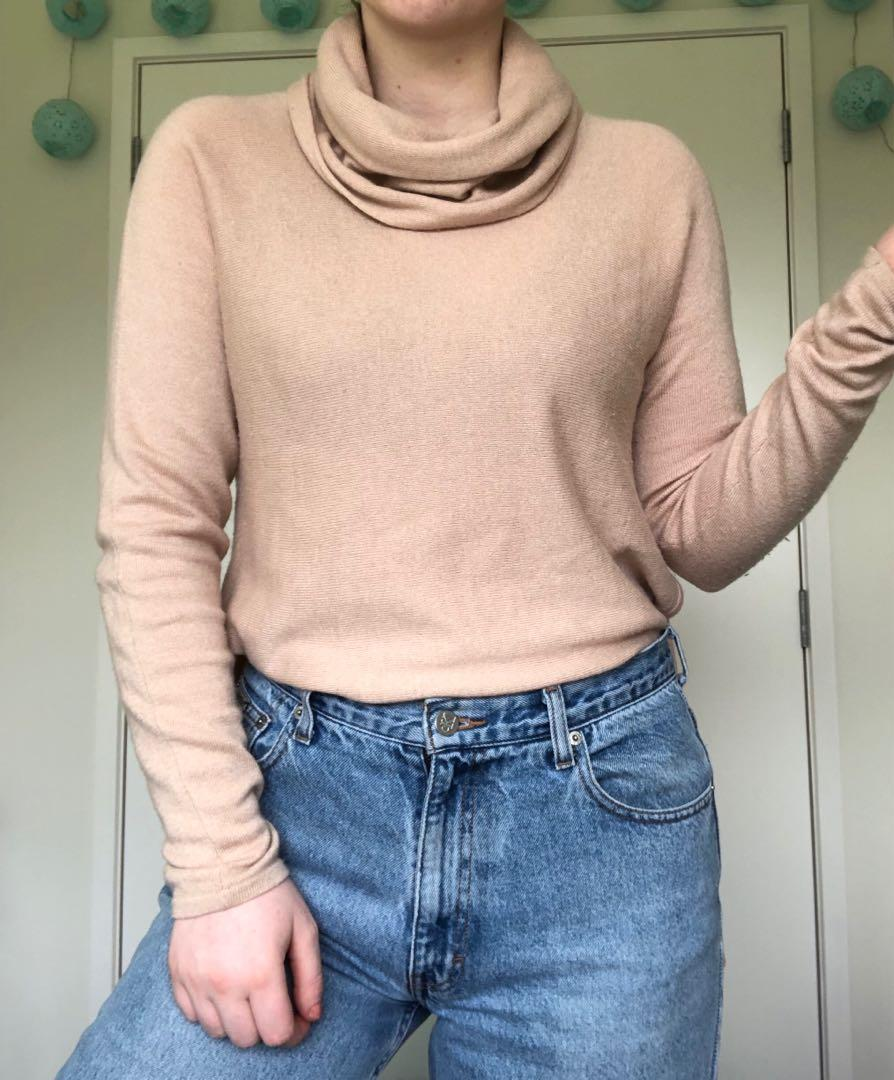 Wool/Cashmere Turtleneck