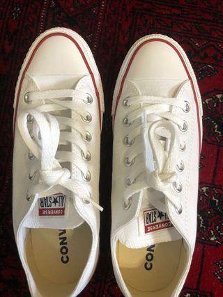 White converse size 5 men's/7women's