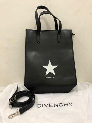 preloved - givenchy tote bag 35x25cm comes with longstrap and dustbag.