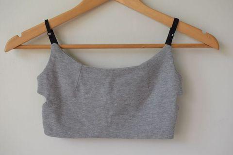 MIT 灰色側挖空背拉鍊細肩帶(無襯墊,肩帶可調)
