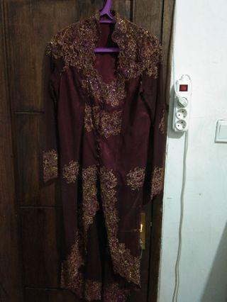Kebaya Payet Maroon