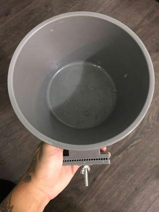 Dog crate bowl