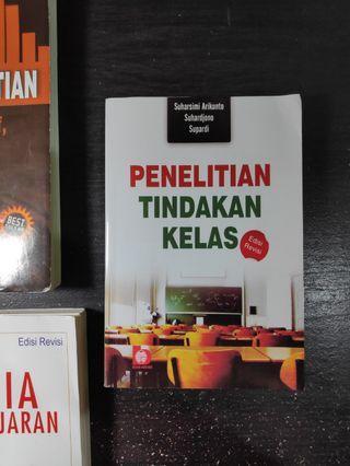 JUAL BUKU PENELITIAN TINDAKAN KELAS SUHARSIMI PRICE UPDATED