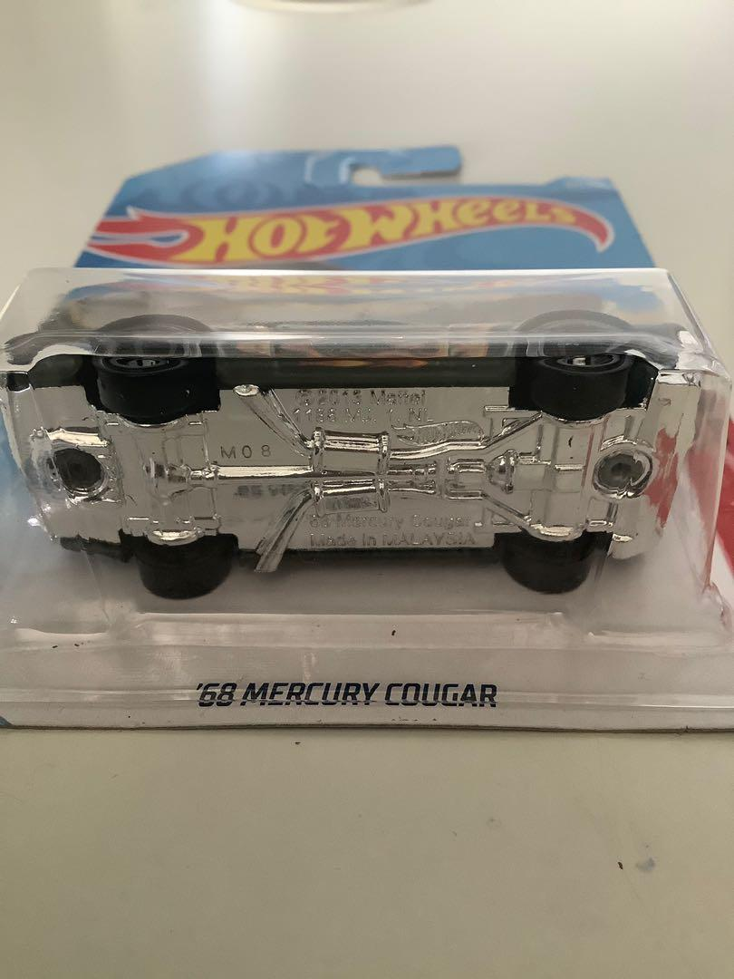 Hot wheels 1968 mercury cougar collectible diecast car