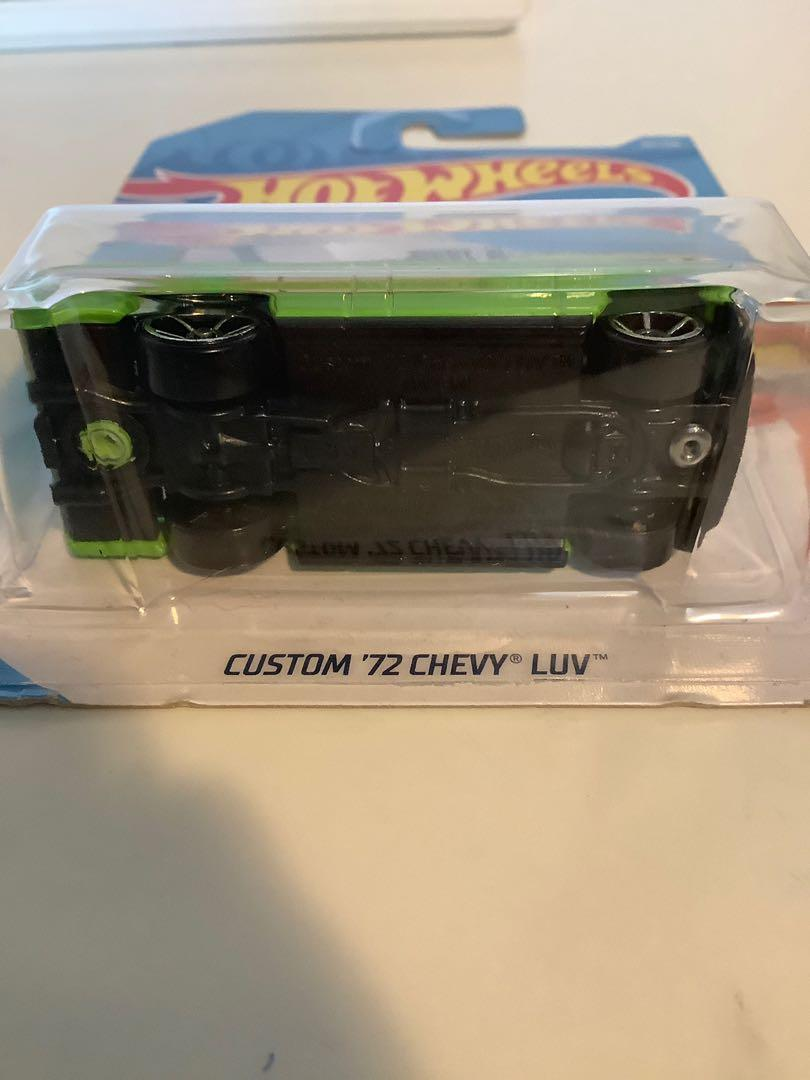 Hot wheels custom 1972 Chevrolet Chevy LUV collectible diecast truck