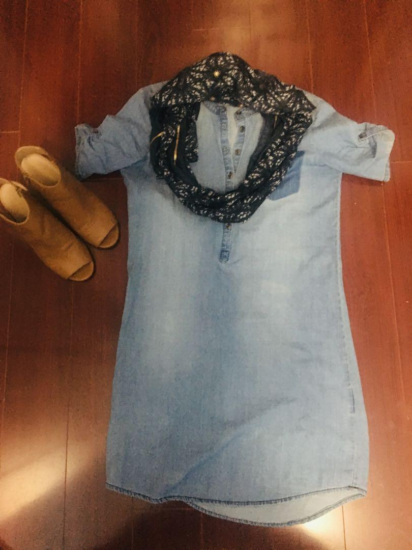 Jaqueline de Yong Button-up Chambray Dress- Can fit a Size xs-s