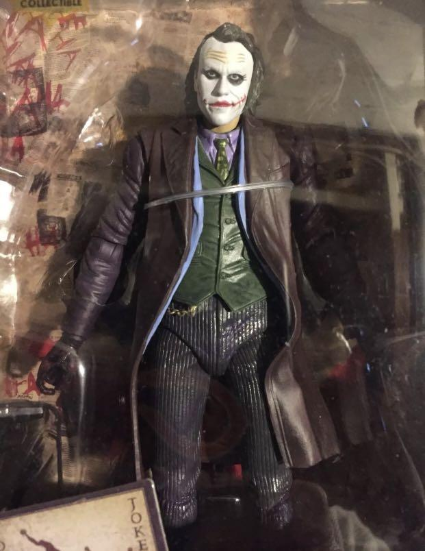 NECA DC The Joker Batman Dark Knight 18cm Figure Brand New Comes With Box