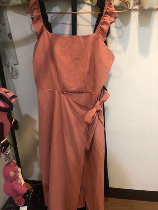 荷葉邊腰綁帶洋裝