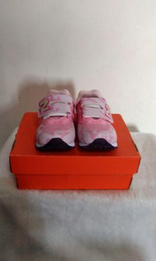 New Balance 574童運動休閒鞋 US10 EU27.5 160MM