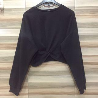 #Lalamove #HBDCarousell [H&m] black sweater knot cropped
