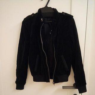 香港潮牌 izzue 帥氣絨質挺版騎士夾克外套/ 仿皮衣造型