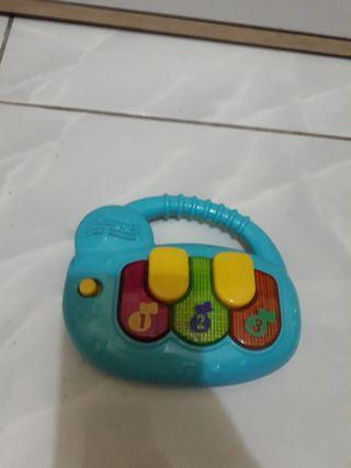 mainan musik