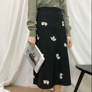 Room4黑色花裙