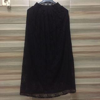 #Lalamove #HBDCarousell black bruocade skirt / rok brukat