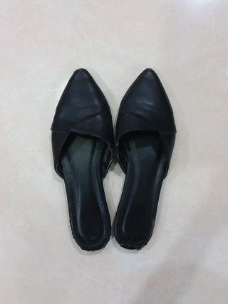 ORI VNC Pointy Flat Shoes