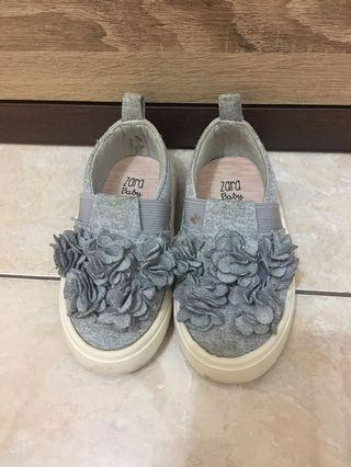 Zara baby shoes size 21/22