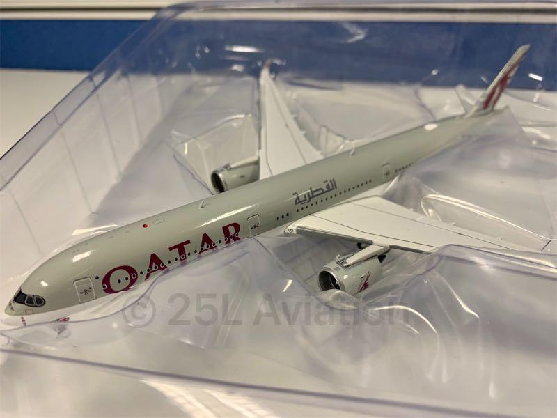 [ Aviation 400 ]  卡塔爾航空 Qatar Airways A350-1000 A7-ANF with Stand & Tug