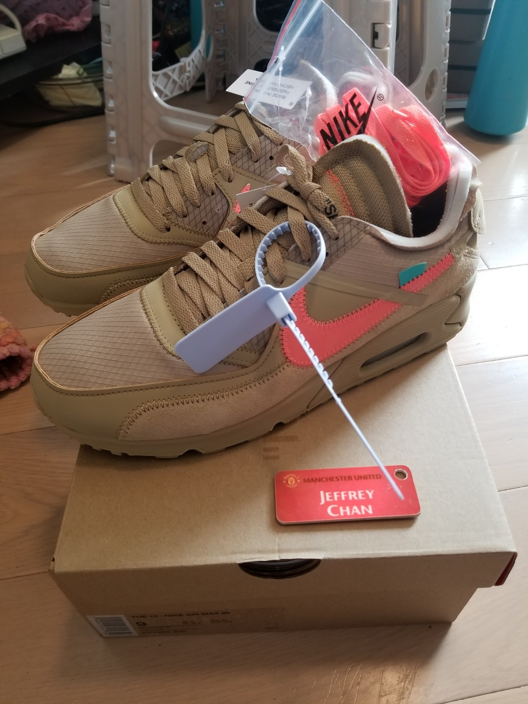Nike Air Max 90 Trainers Size 8.5 Infants BNIB Off White /& Gold