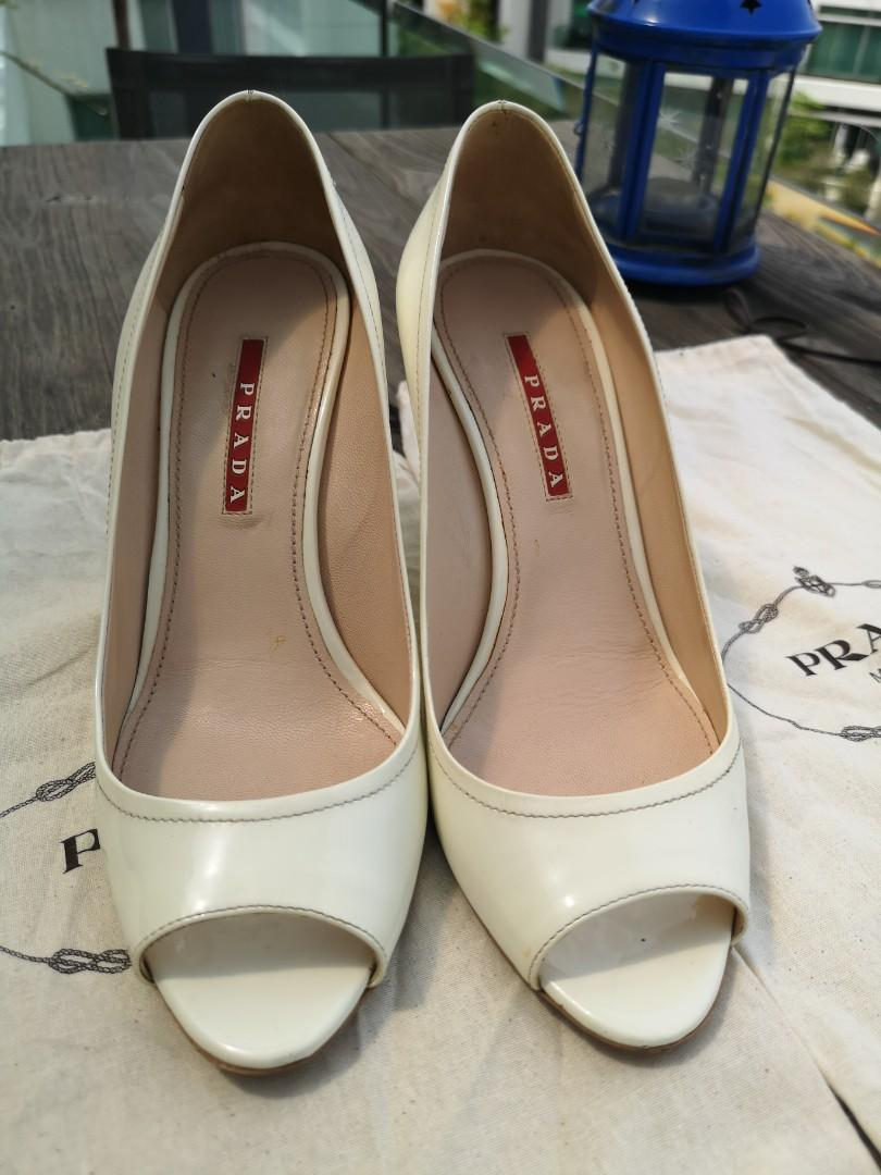 Prada lady heels patent leather