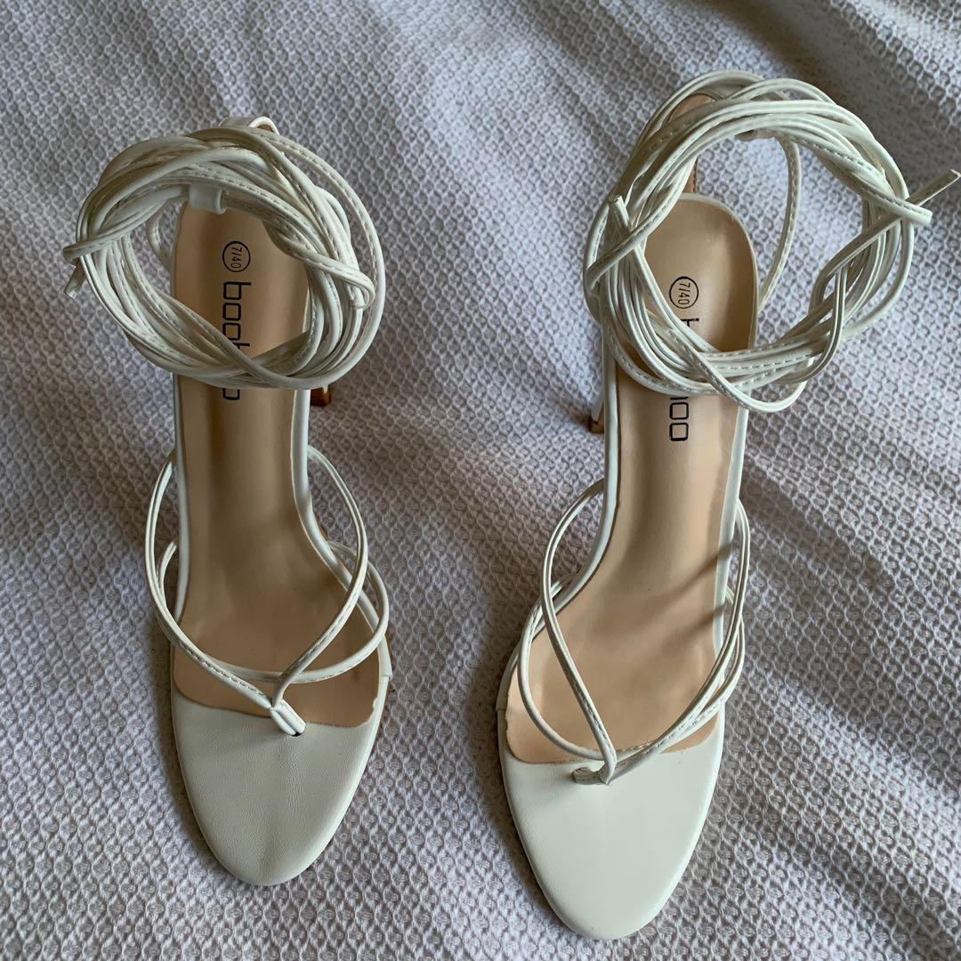 WHITE WRAP UP HEELS