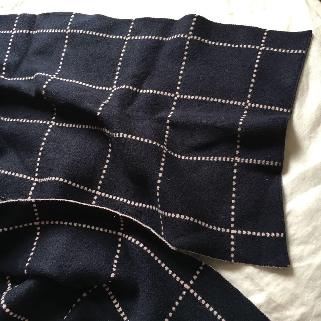 Witchery Navy Blue & Pastel Pink Scarf | Lovely thick, sturdy, stretchy material
