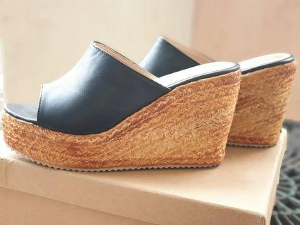 Black cow leather wedge