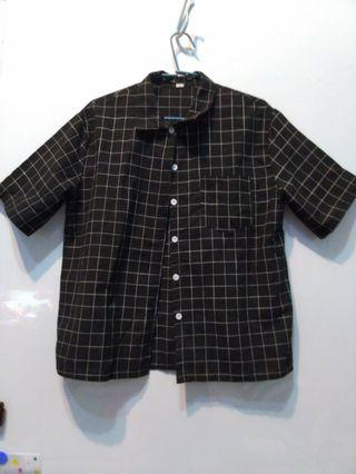 黑底白格紋襯衫