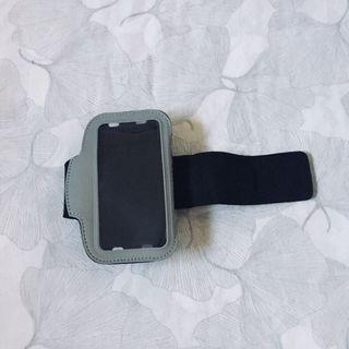 iPhone 5/s/se phone holder for workouts