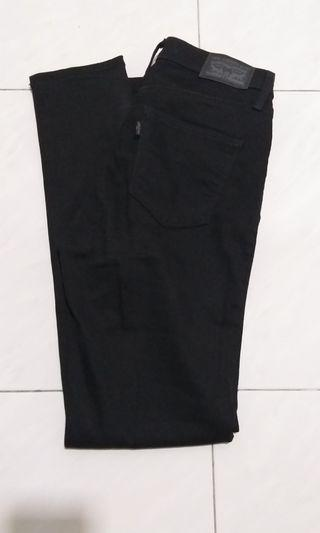 2 pairs of Levi's Slimming Slim Women (used once only)