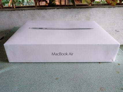 Kardus / dus / box / macbook air