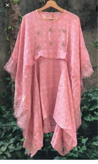 Viscose top and lace
