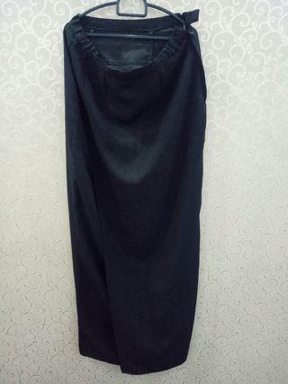 Black Long Skirt (front split)