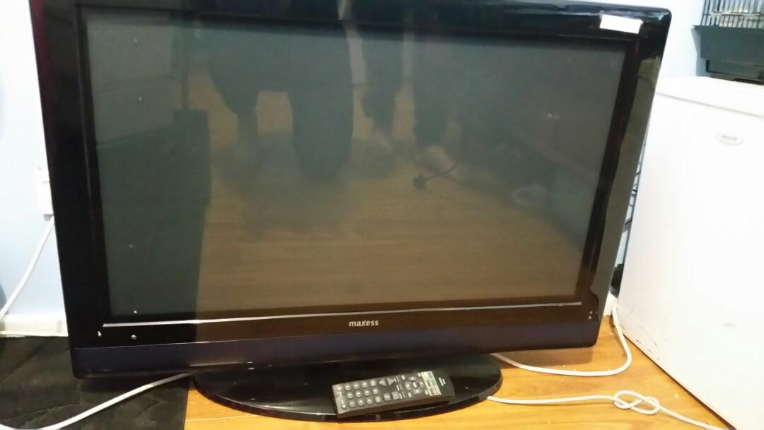 32inch digital tv with remote control great working condition
