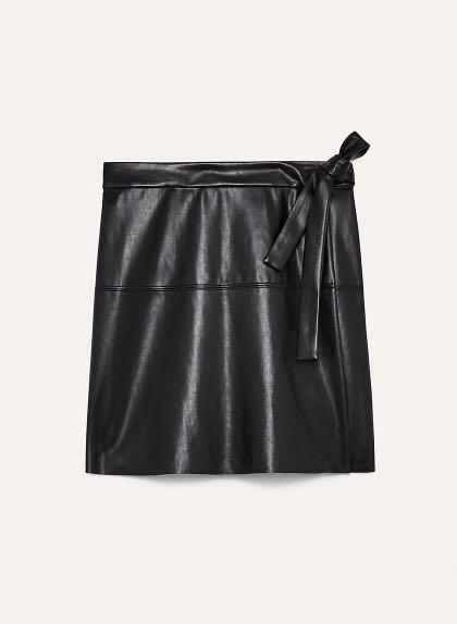 Aritzia Wilfred Free Spurlock Skirt - Black - Size M