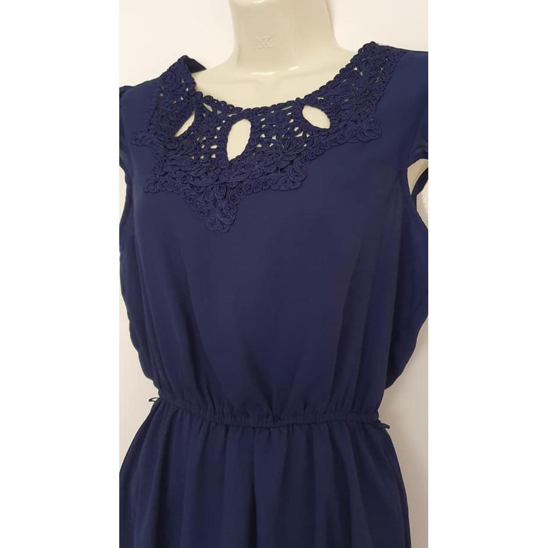 Size 10 fits ladies 10 Euc Navy blue I Can Too lace collar trim dress