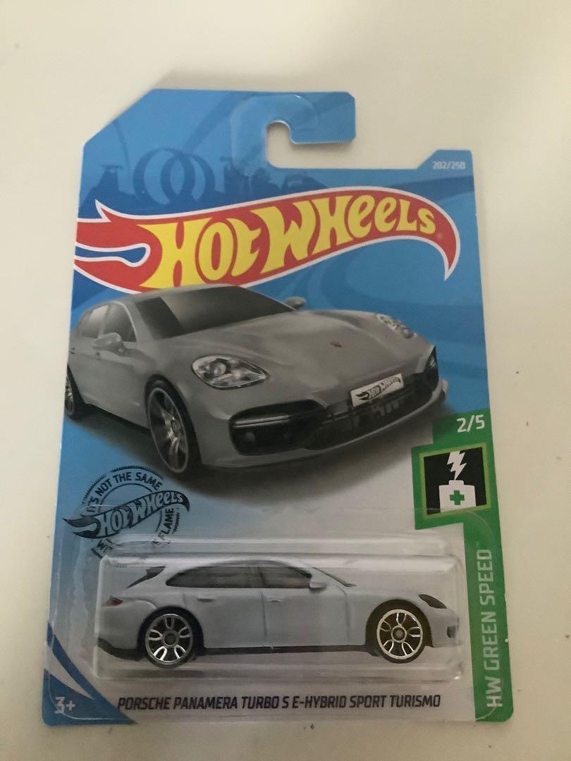 Hot wheels Porsche Panamera turbo S E-hybrid sport turismo collectible diecast sports car