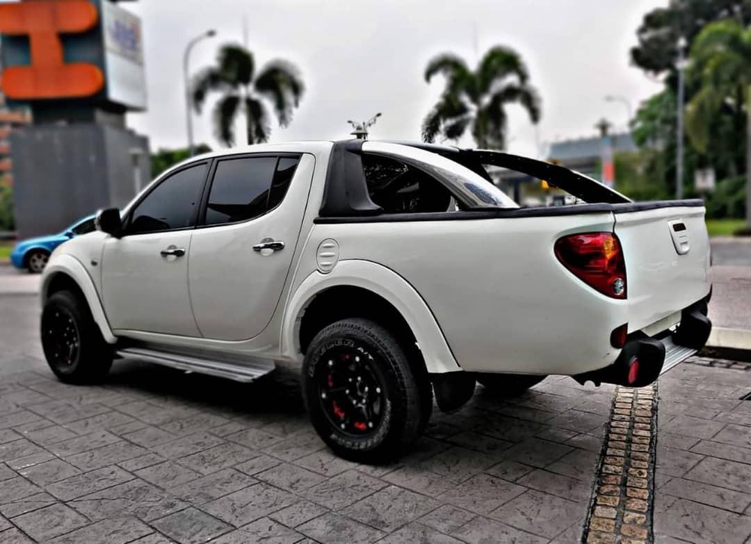 MITSUBISHI TRITON 4WD DOUBLE CAB DIESEL SAMBUNG BAYAR/CONTINUE LOAN
