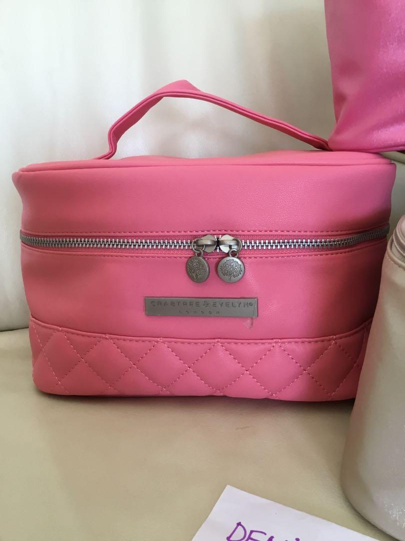 ❤️SALE❤️ CRABTREE AND EVELYN LONDON TRAVEL MAKE UP BAG