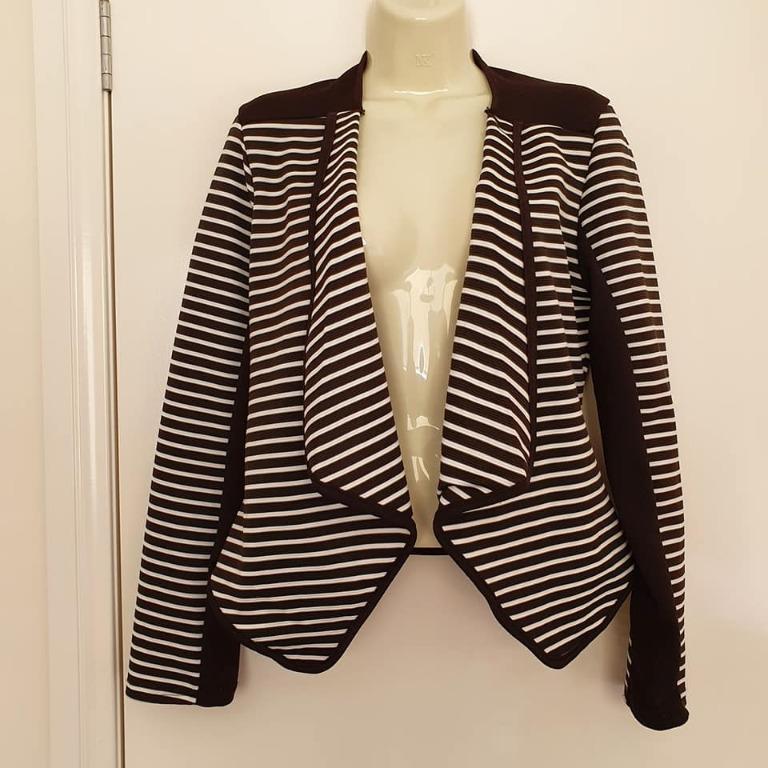 Size 10 As new Tightrope jacket blazer black white stripe ribbed