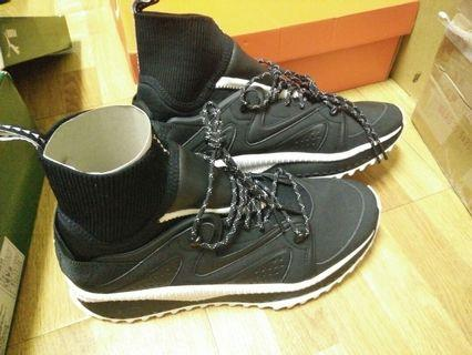 PUMA TSUGI KORI 男 防水 東瀛武士 襪套式 慢跑運動鞋 黑白 36374701 US10.5