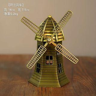 Pajangan miniatur kincir angin Belanda