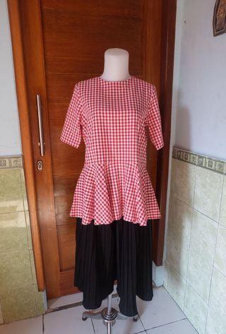 Redwhite blouse