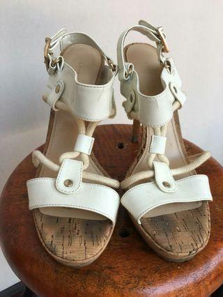 Charles & Keith Size 37 PRELOVED