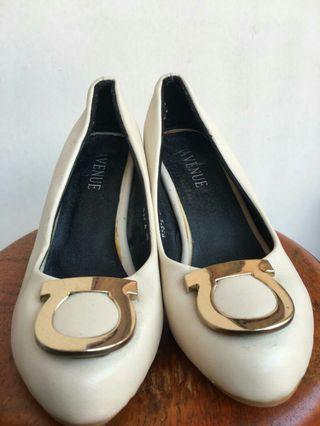 avenue shoes
