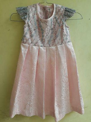 Gaun Pink Anak
